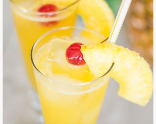 Pineapple coconut spritzers